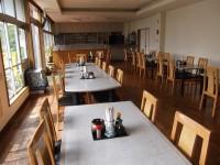 テーブル高さ68cm、50席