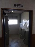 男性個室入口幅56cm