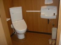 思いやりトイレ入口幅87cm右手すりあり