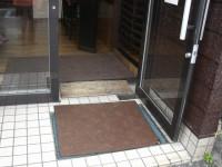 レストラン入口幅80cm