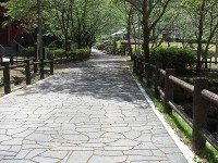 大滝への通路;通路幅、360cm、傾斜3度