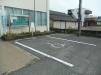 専用駐車場1台(隣接する公民館の駐車場)