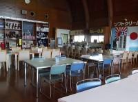 全46席、テーブルの高さ67cm