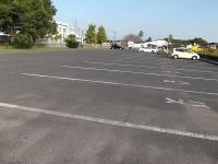 大型駐車場10台、一般駐車場30台