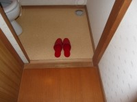 トイレの入口幅81cm