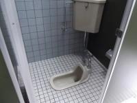 一般トイレ入口幅49cm