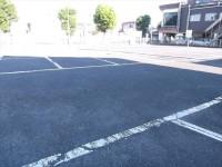屋外駐車場80台