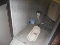 鳥居近くの一般トイレ