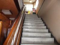 階段幅110cm、手すりの高さ80cm