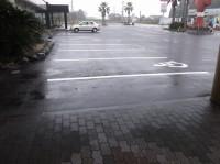 一般駐車場20台、大型駐車場10台