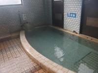入口幅85cm、浴槽の高さ13cm