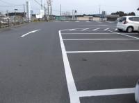 一般駐車場100台、大型バス駐車場10台