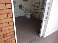 入口幅86cm、手洗い高さ65cm
