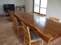 入口幅70cm テーブル高さ64.5cm 12席