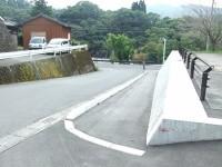 駐車場からの通路