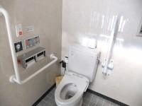 障がい者用トイレ男女2か所あり