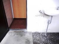 入口幅53cm、手洗いの高さ70cm