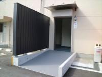 駐車場側トイレ入口