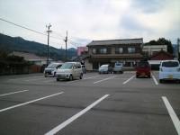 一般駐車場、共有30台程度