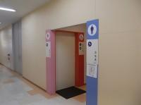 ボンヴィヴォン横トイレ入口