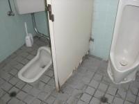 一般男性トイレ入口幅55cm