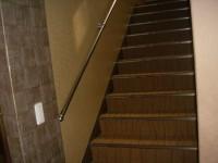 階段23段幅85cm高さ18cm奥行28cm