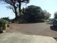 神社横駐車場(道路上)