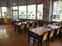 ゆかい菜館、入口幅108cm、テーブルの高さ68cm