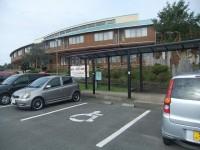 やぶさめ館と共用、専用駐車場2台