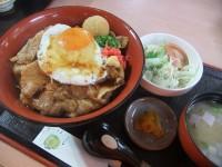 おすすめランチ(黒トン丼)