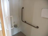 浴室入口幅80cm、シャワーのみ