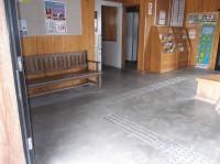駅舎入口幅160cm