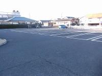 一般駐車場90台