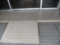 正面玄関 入口幅183cm