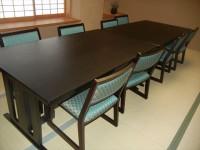 個室(要予約)8席、テーブルの高さ56cm