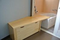個室浴室入口幅77cm、浴室入口幅100cm
