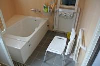 浴槽の高さ40cm、浴槽の深さ54cm、ジェットミストシャワー、シャワキャリー設置