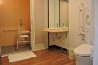 洗面入口幅77cm、浴室入口幅100cm、ジェットミストシャワー専用