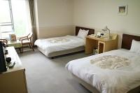 ベッドの幅110cm、高さ56cm