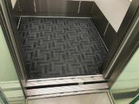 エレベーター入口幅90cm