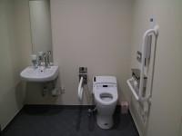 駐車場側BFトイレ